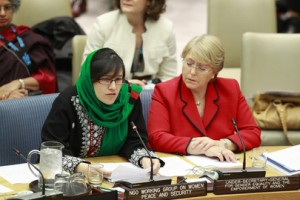 Orzala Ashraf Nemat (left) on behalf of the NGOWGWPS with Michelle Bachelet, Executive Director of UN-Women.